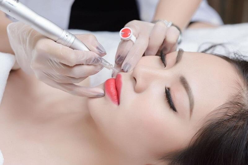 quy trình phun môi collagen ở diva spa