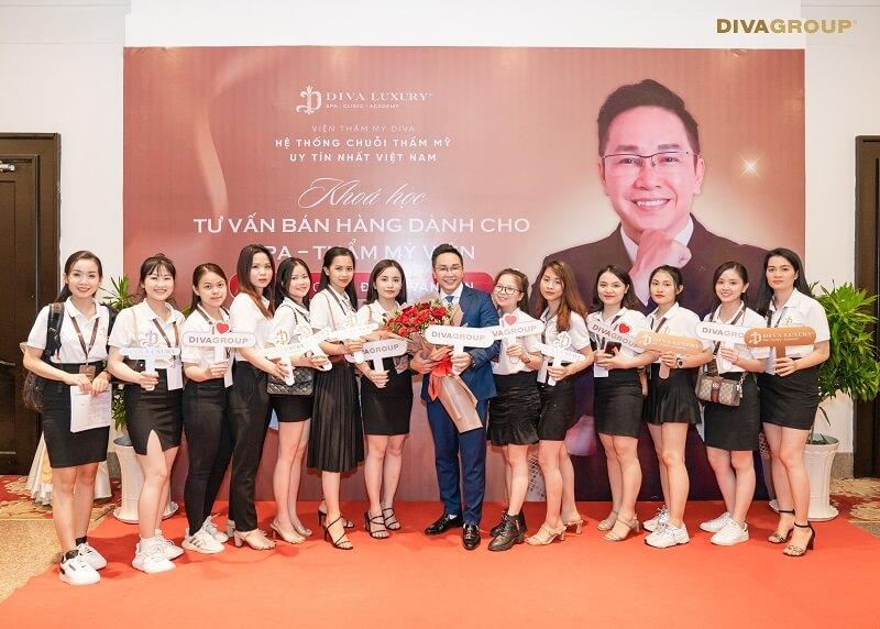 https://thammydiva.com.vn/wp-content/uploads/2021/04/dao-tao-sale-vien-tham-my-diva-12.jpg